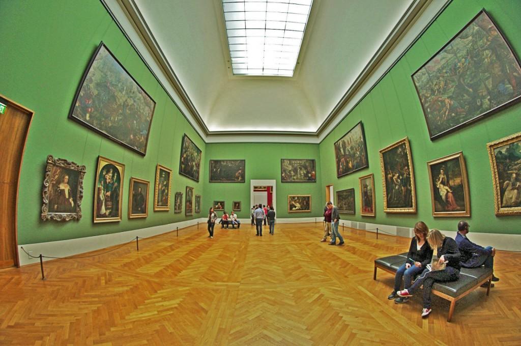 Ein Blick in die Alte Pinakothek