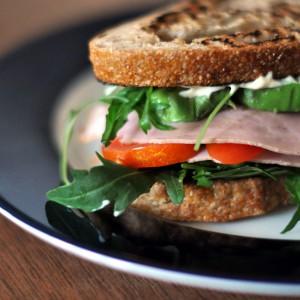 Avocado-Rucola Sandwich