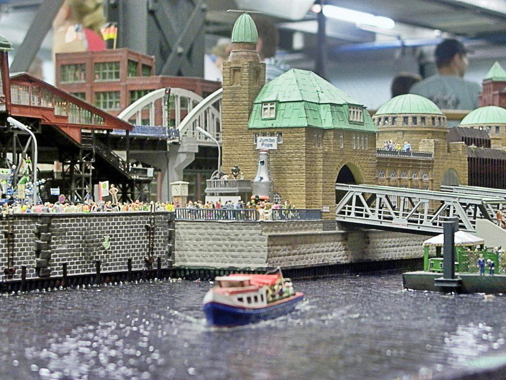 Eine winzige Version der Landungsbrücken im Miniaturwunderland - so süß!