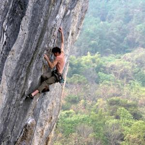 Video von \'nem Bergsteiger, der ohne Absicherung klettert